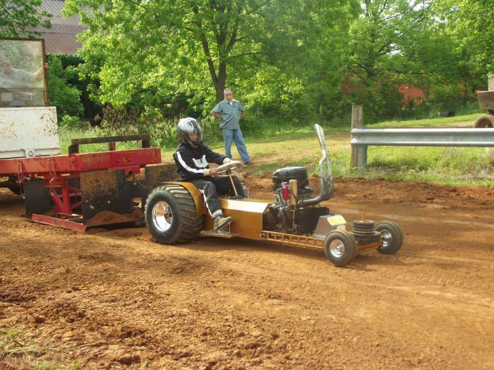 Lawn Garden Tractor Pulling : Lawn and garden tractor pull